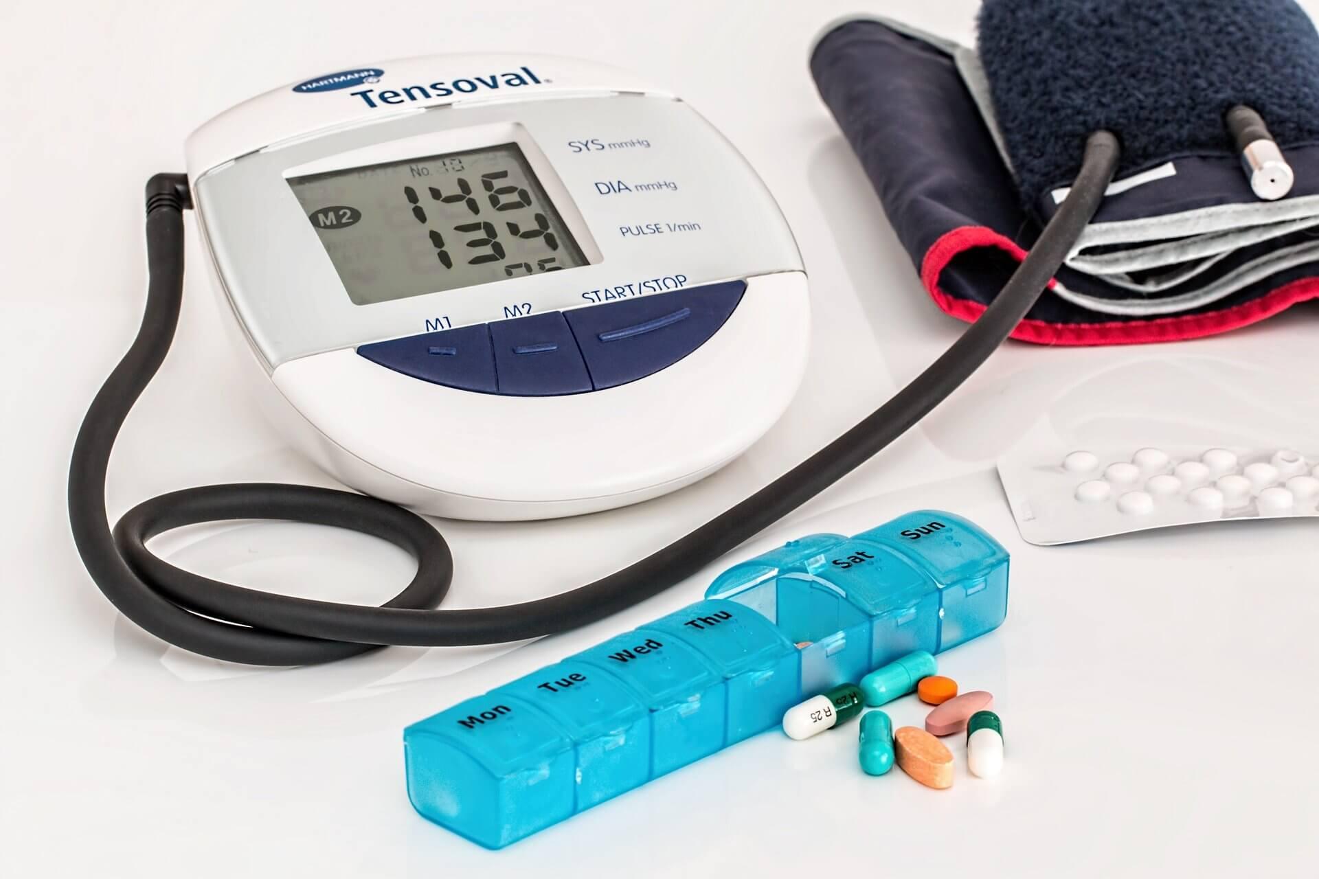 看護師が訪問看護に持って行く血圧計